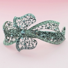 Crystal Bow Volume Barrette