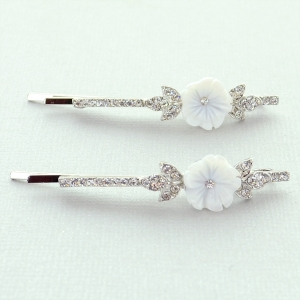 Crystal W Flower 2-Pack Bobby Pins