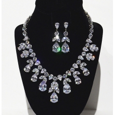 Stunning Cubiczirconia Necklace Earring Set