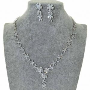 Cubic Zirconia Flower Necklace Set