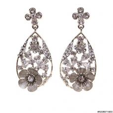 Luxurious Cubiczirconia Flower Drop Earrings
